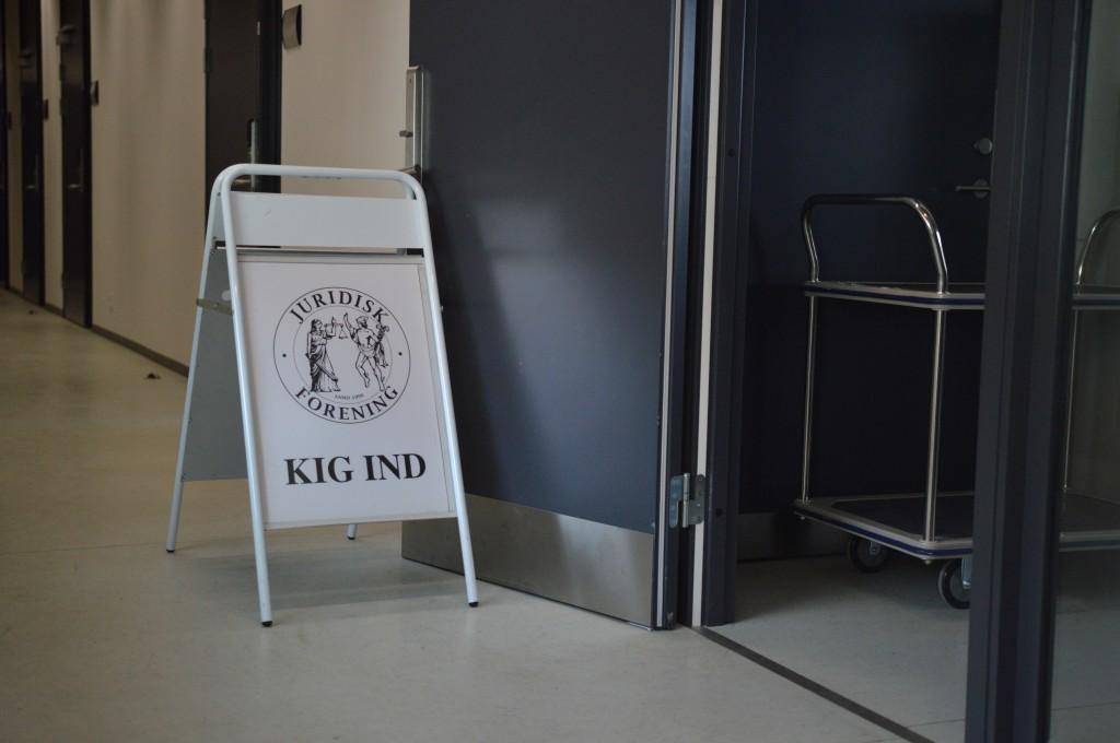 Juridisk Forenings kontor ifm. åbningstider